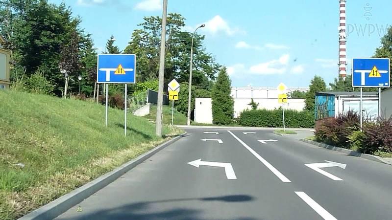 Zmiana pasa ruchu, zmiana kierunku jazdy (jazda na suwak, korytarz życia)