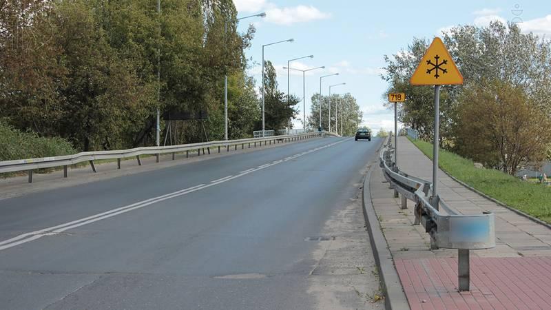 Czynniki ryzyka związane z różnymi warunkami drogowymi, zmiana pogody, pory dnia lub nocy, typy dróg i związane z tym wymagania