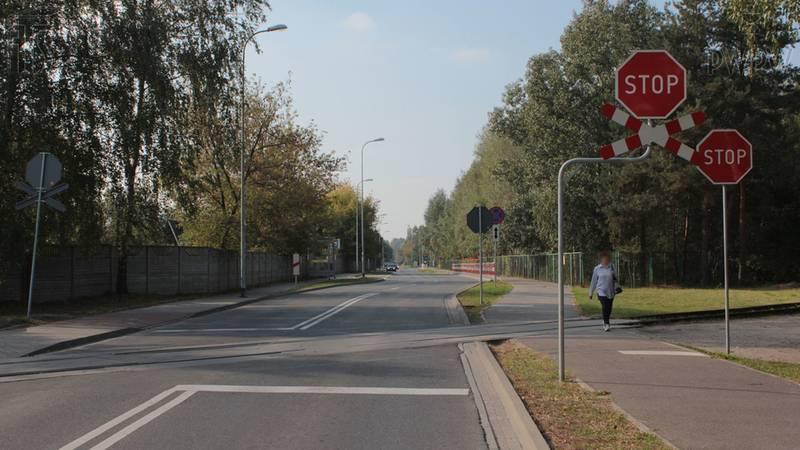 Czynniki ryzyka związane z różnymi warunkami drogowymi, zmiana podogy, pory dnia lub nocy, typy dróg i związane z tym wymagania