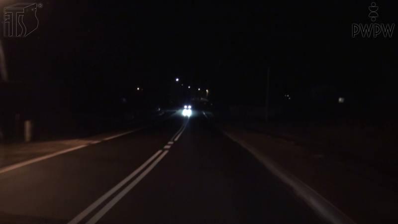 Czynniki ryzyka związane z różnymi warunkami drogowymi, zmiana podogy, pory dnia lub nocy, typy dróg i związane z tym wymagania (cz. 2)