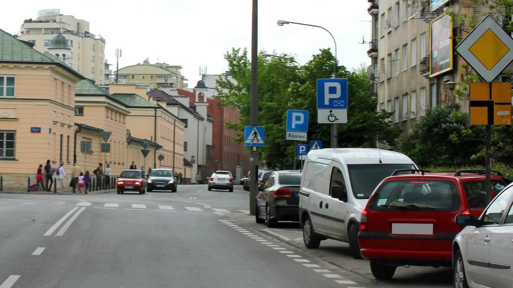 Skrzyżowania ze znakami określającymi pierwszeństwo przejazdu